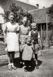Mom & Co.: 1946