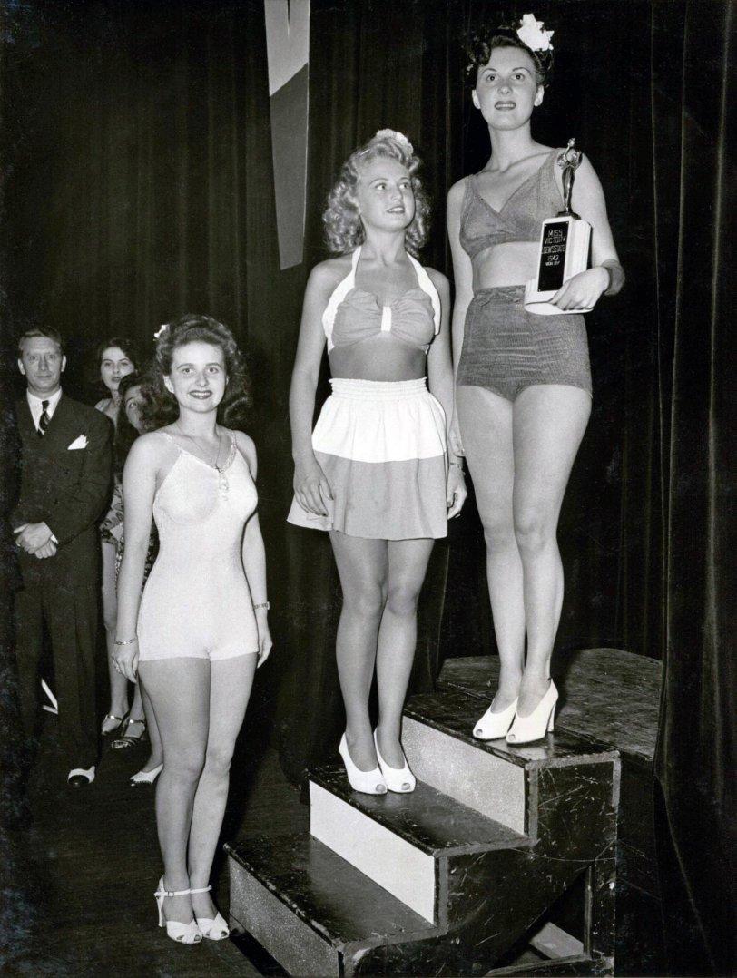Miss Victory Loews State: 1942