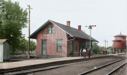 Pontiac Depot (Colorized): 1905