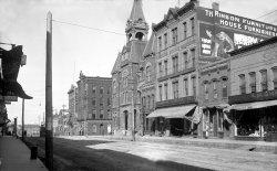 Main Street Racine: c. 1905