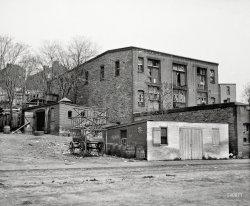 Ramshackle Storage: 1900