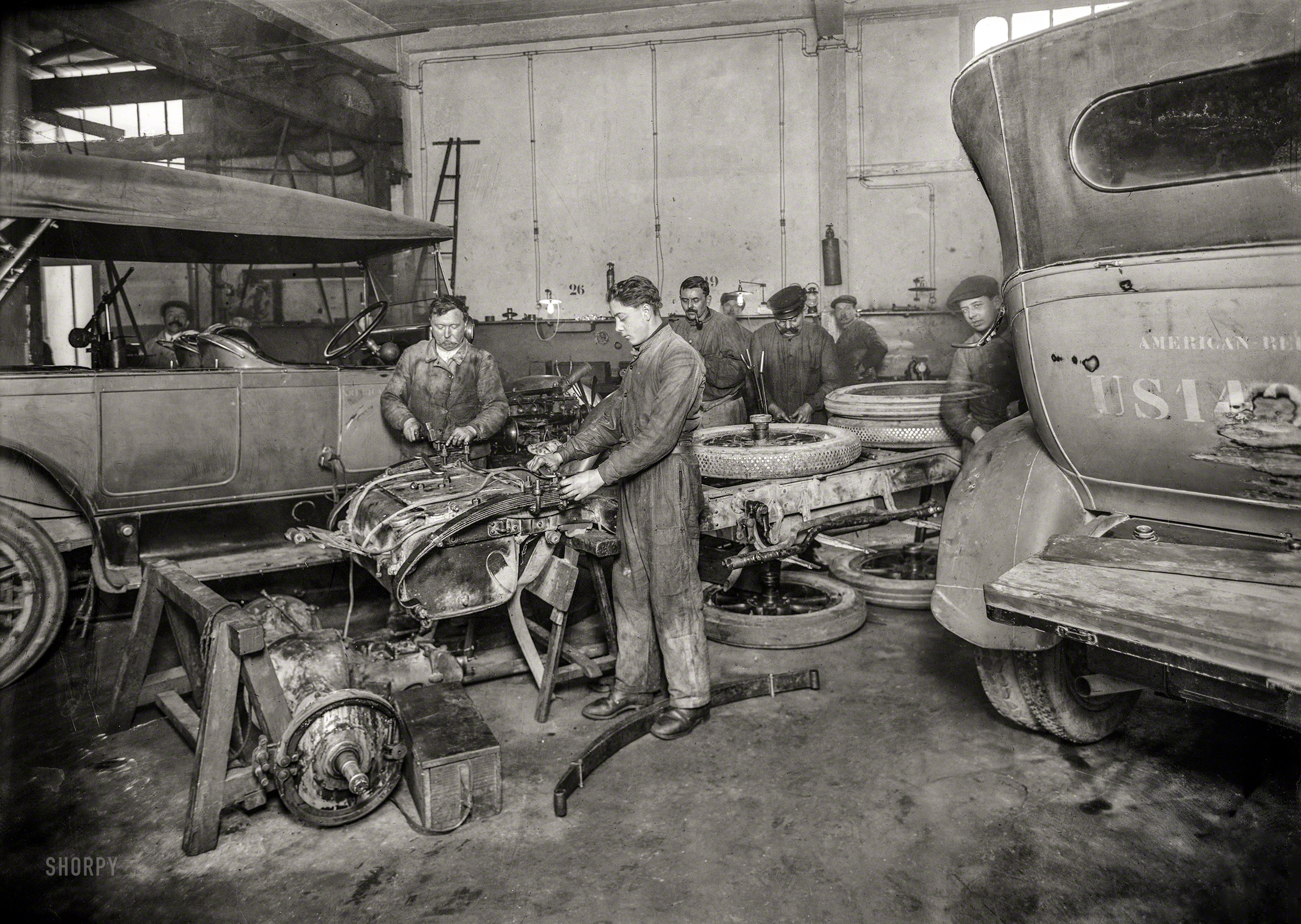 Shorpy Historic Picture Archive :: Intensive Car Care
