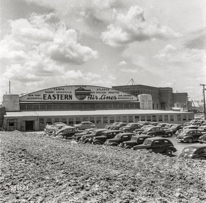 Hoover Terminal: 1942