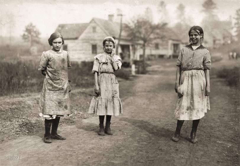Mill Maids: 1913