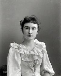 Ruffles & Flourishes: 1900
