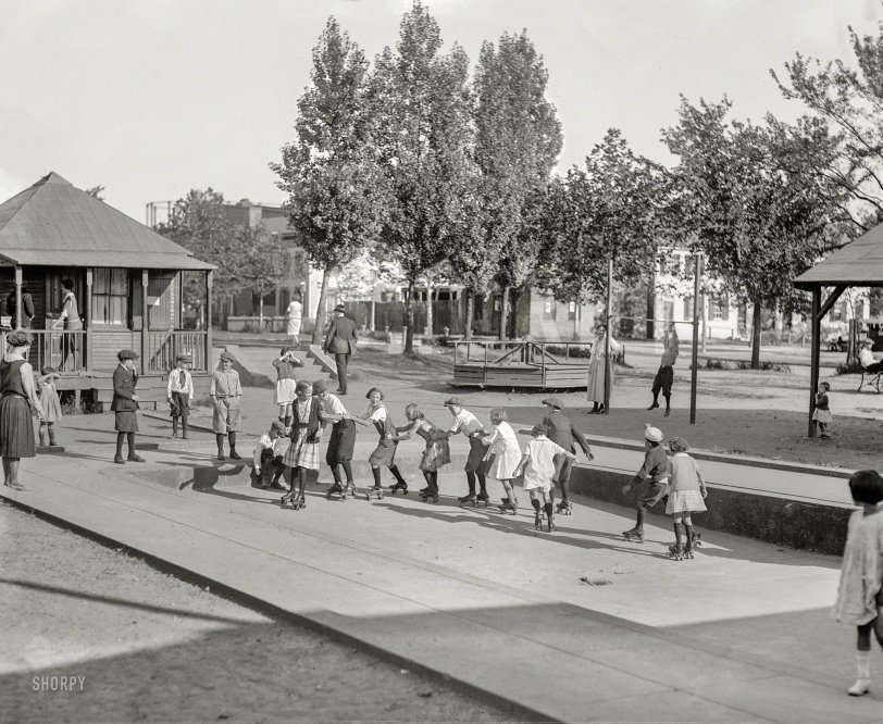 Rollersnake: 1922