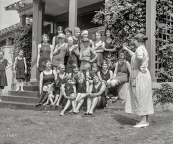 Future Flappers: 1923