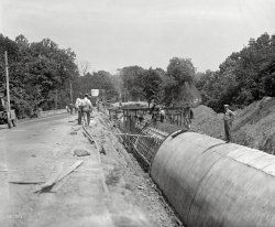 Laying Pipe: 1923