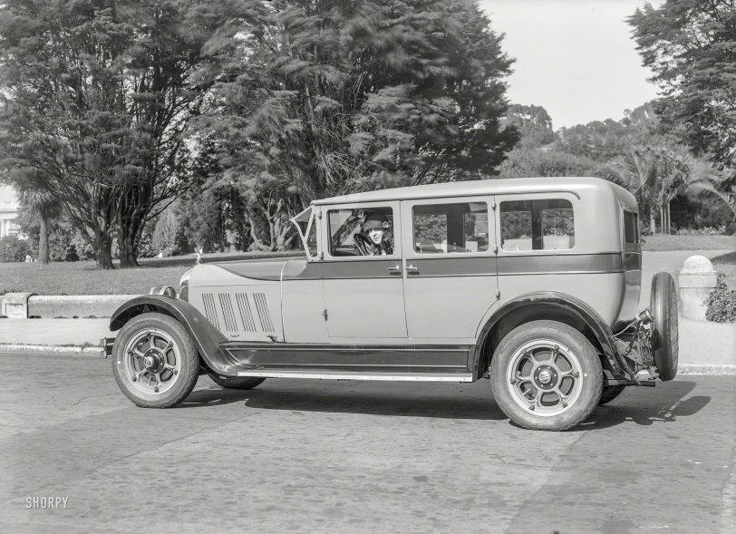 The Idling Auburn: 1928
