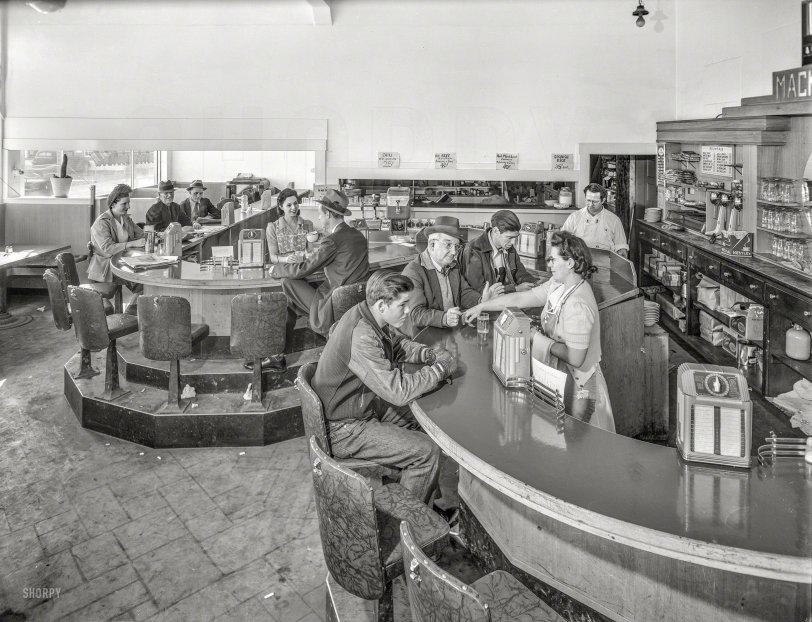 Mackey's Creamery: 1943