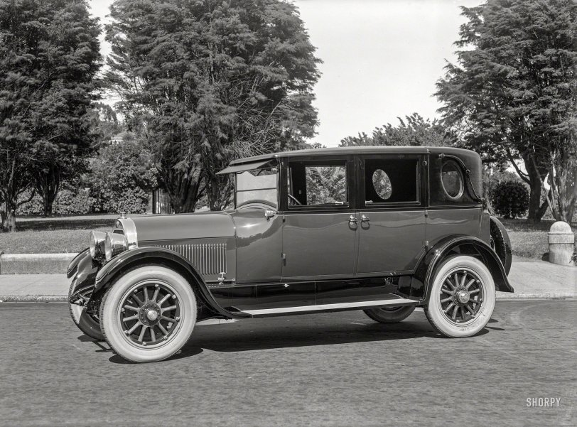 Stopping in Style: 1925