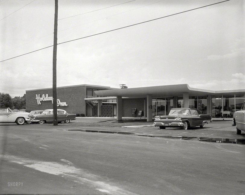 Holiday Inn: 1960