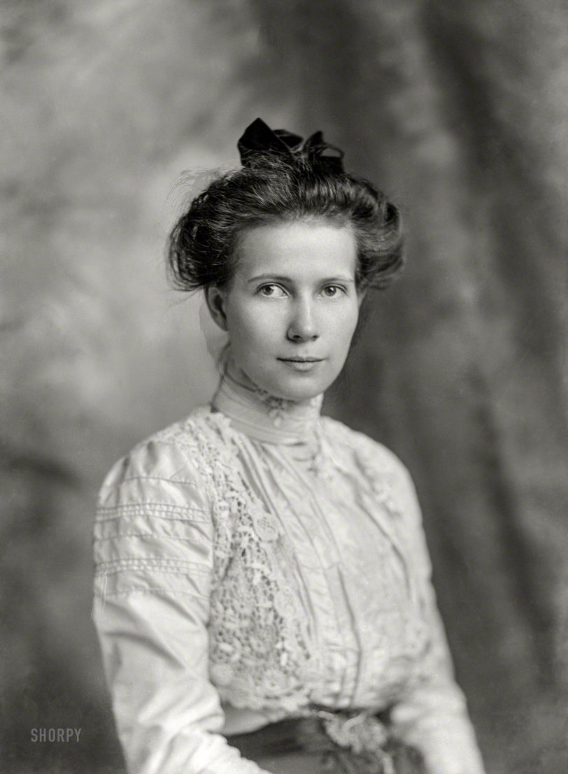 Miss Valentine: 1900