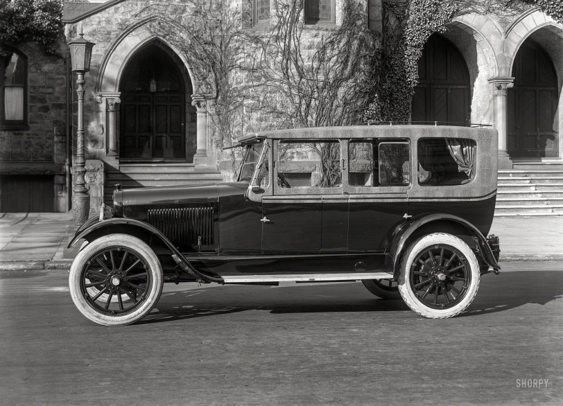 Urban Alligator: 1921
