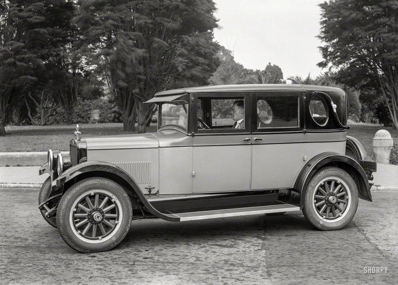Coach-Brougham: 1925