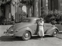 Palace of Pontiacs: 1935