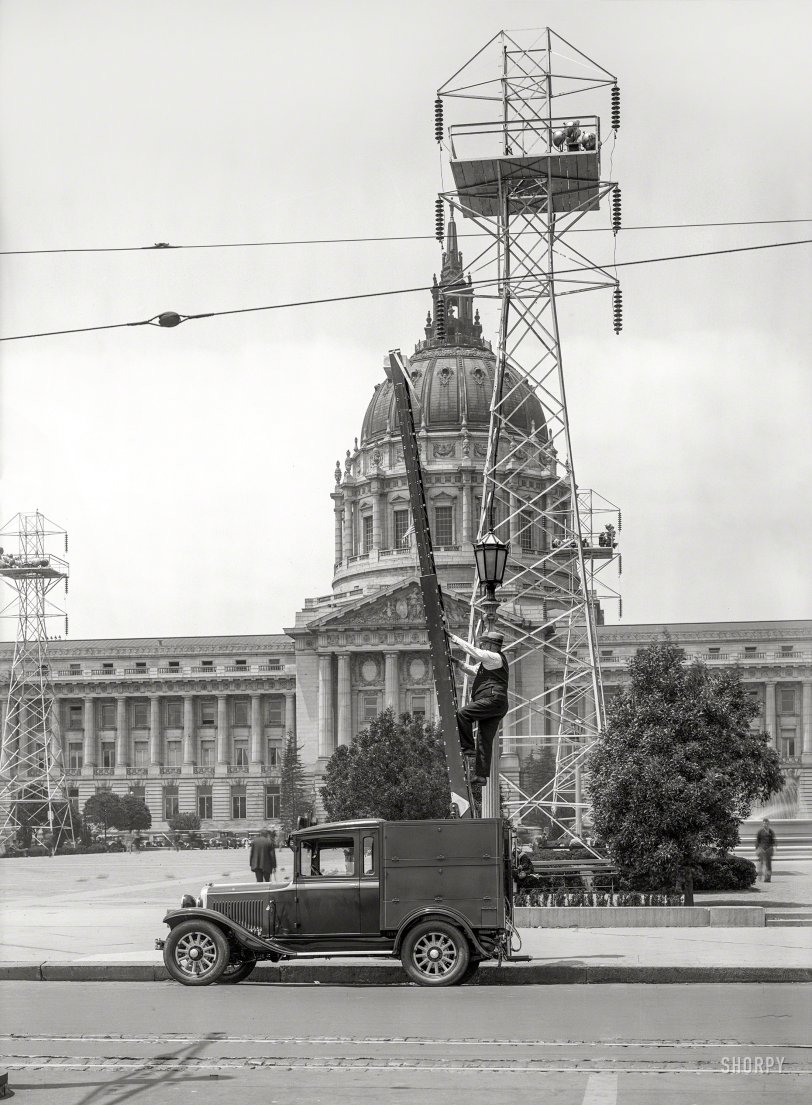 Lights Up: 1929