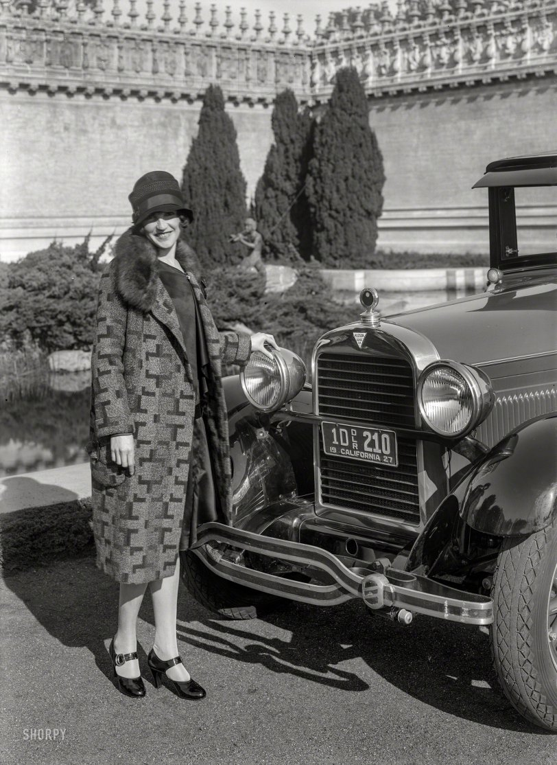 Dressed to the Sixes: 1927