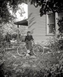 Miss Handlebars: 1900
