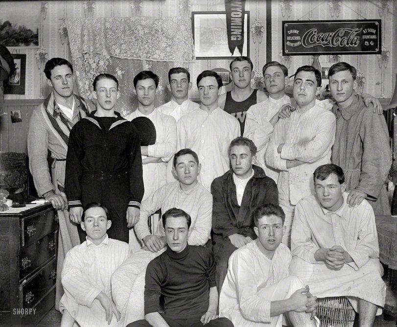 Bedtime Bros: 1900