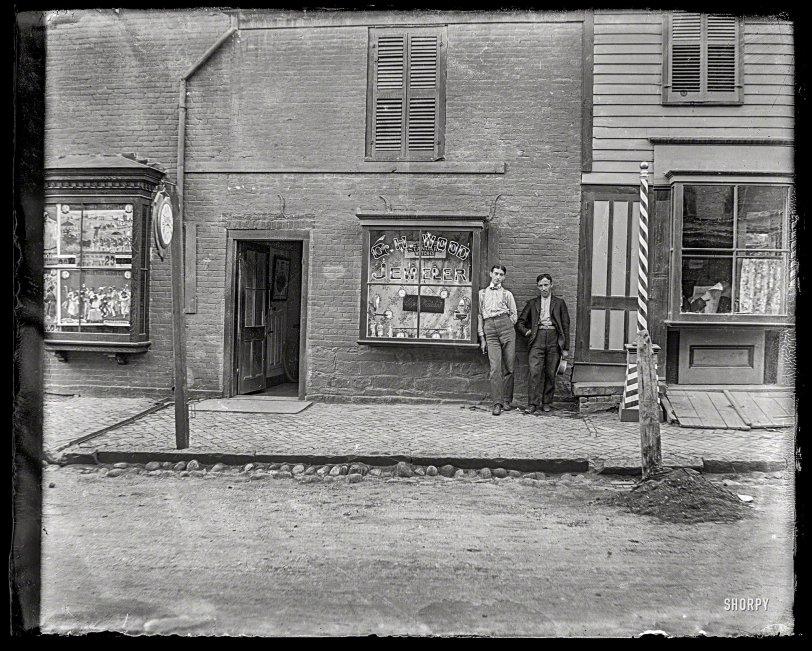 Wood Jeweler: 1900