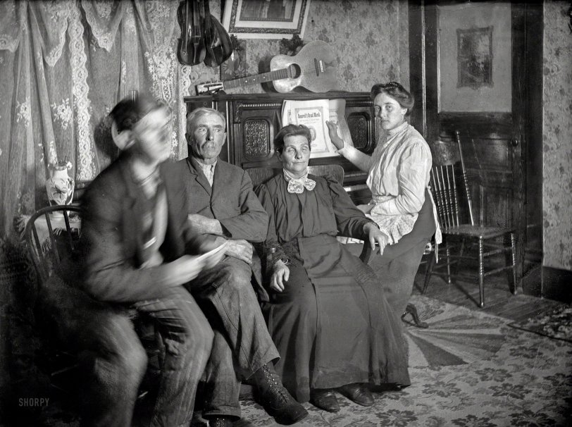 Parlor Musicale: 1905