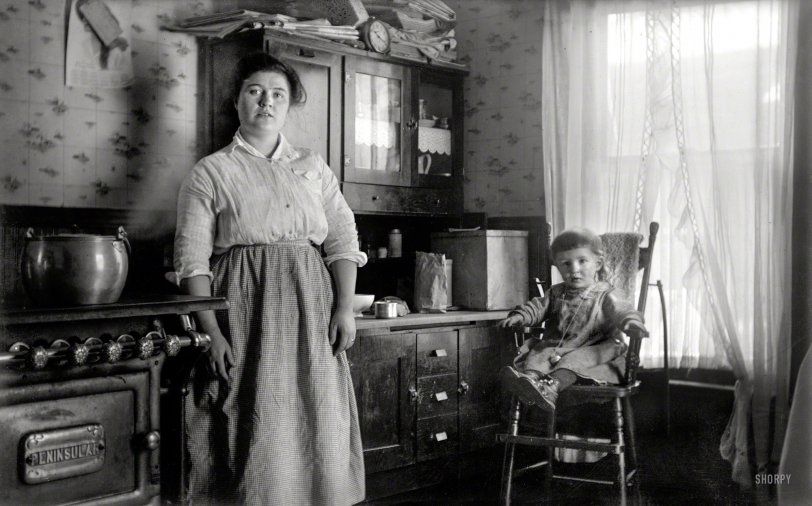 Candid Kitchen: 1910