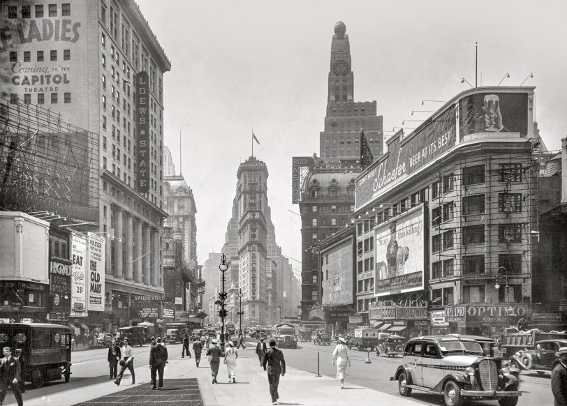 Times Square: 1935