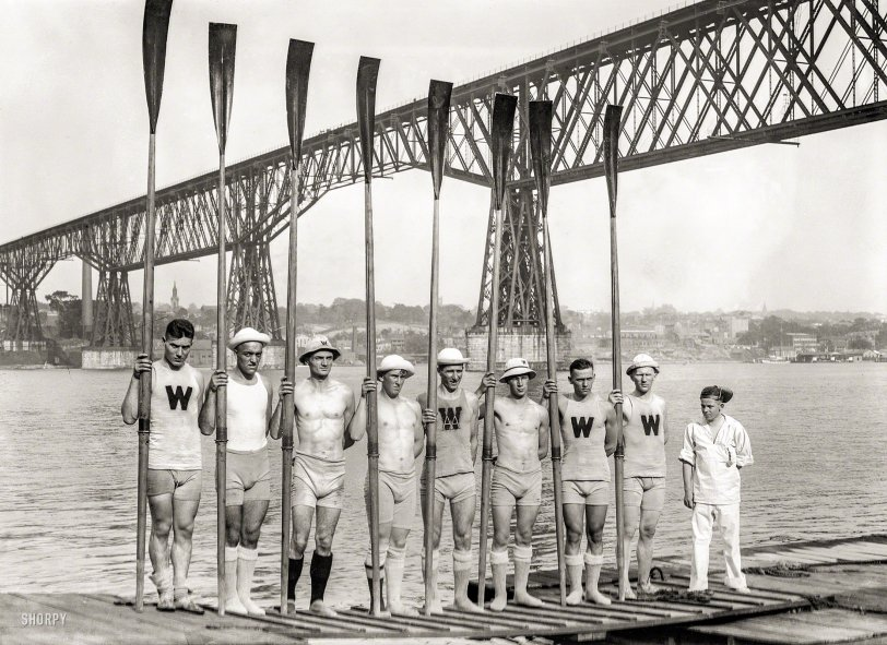 A Row of Rowers: 1914