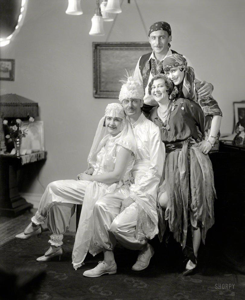Dramatis Personae: 1920