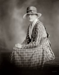 Sitting Bricks: 1920