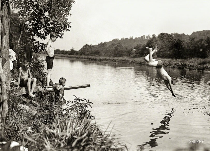 Cowabunga: 1915