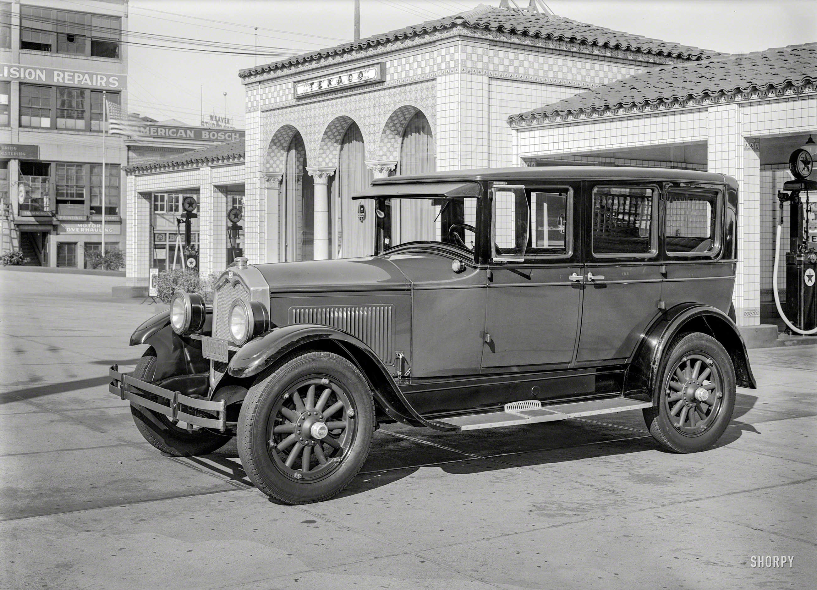 Shorpy Historic Picture Archive :: Petroleum Palace: 1928 high-resolution  photo