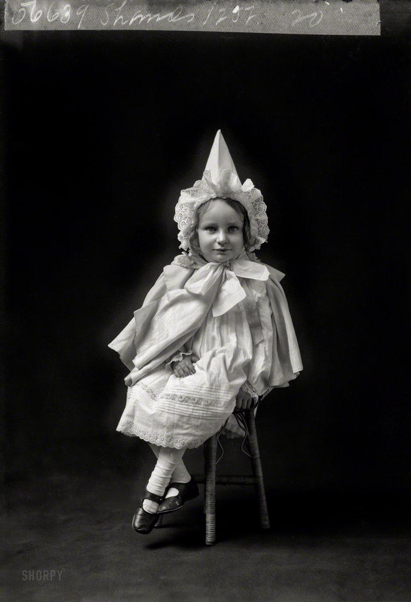 Elfin Agnes: 1905