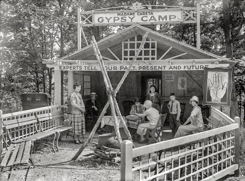 Gypsy Camp: 1925