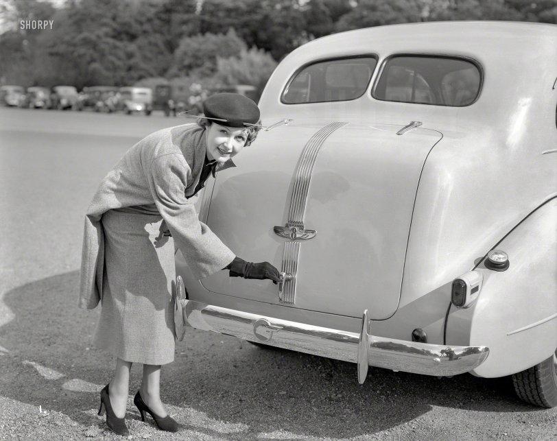 Pandora's Trunk: 1939