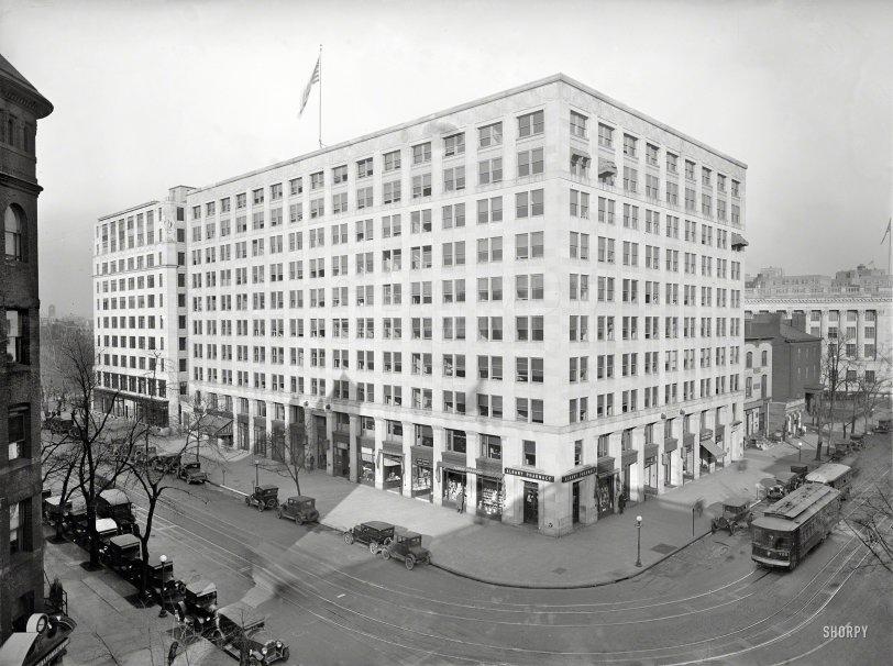 Big Box: 1925
