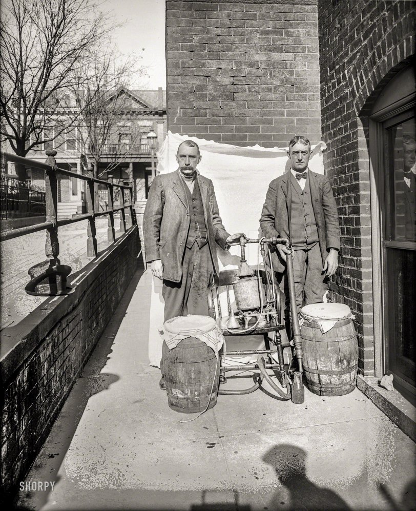 Homemade Hooch: 1922