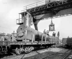 Flatcar Follies: 1920