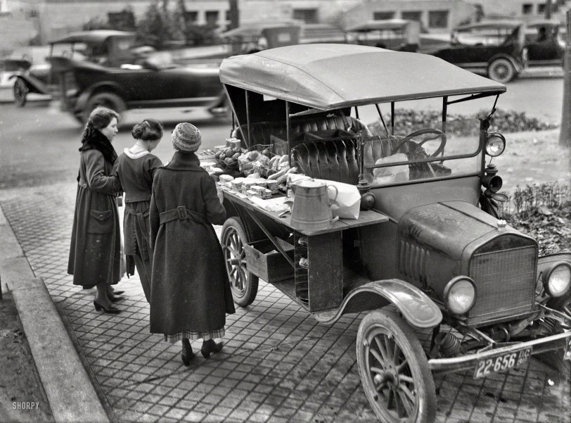 Food Truck: 1919