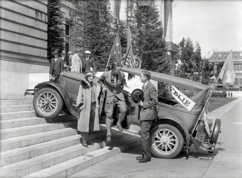 Social Climbers: 1925