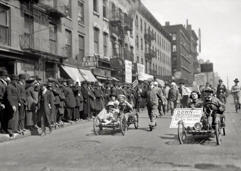 Overalls Parade: 1920