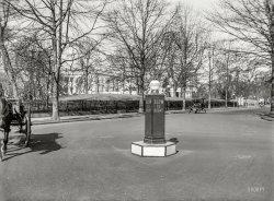 Traffic Lighthouse: 1922