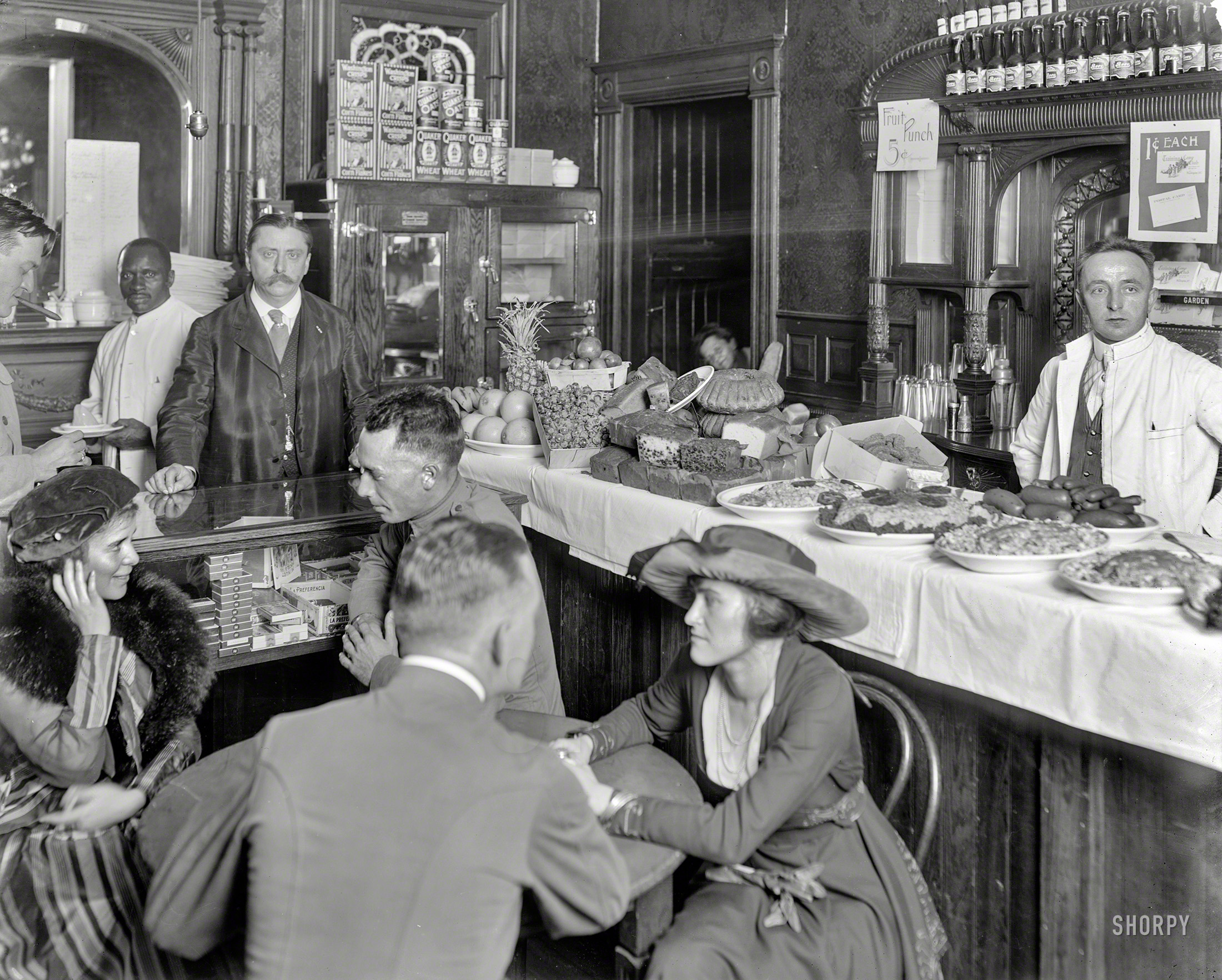 Shorpy Historic Picture Archive Meat And Greet 1917 High