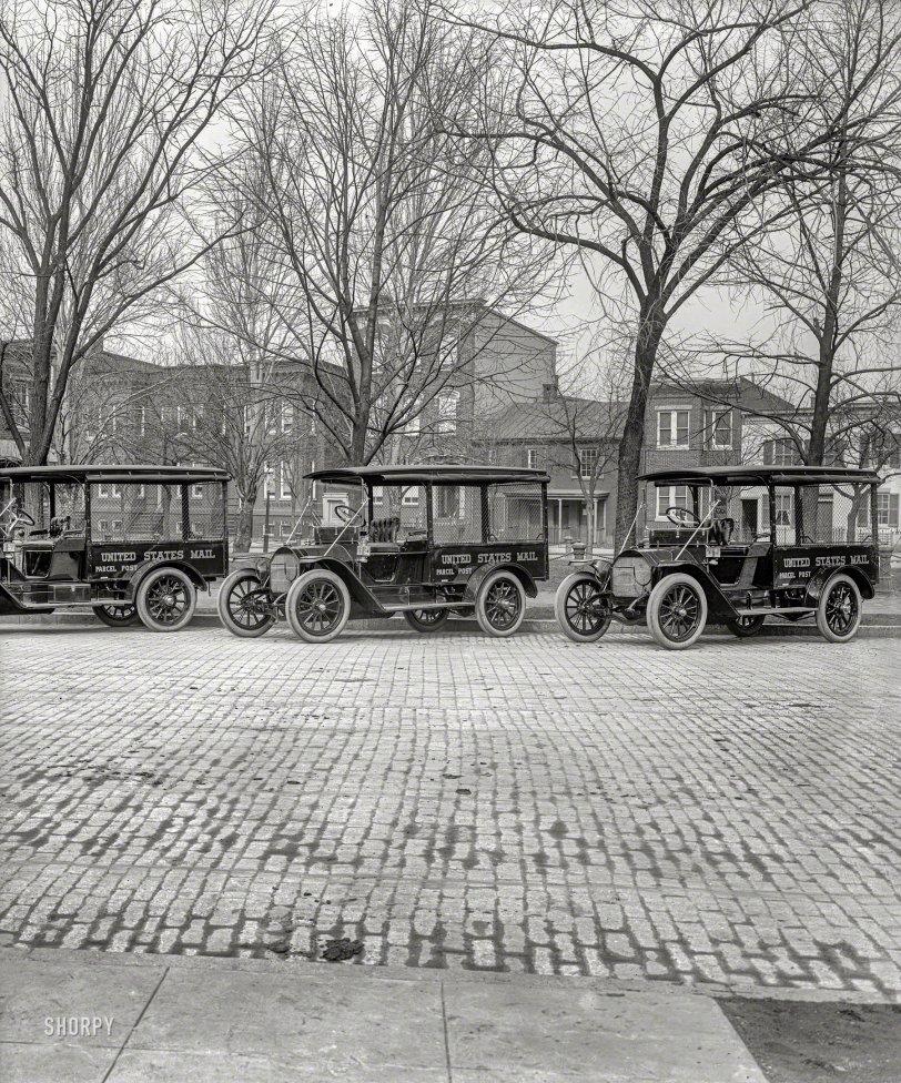 Modern Mail: 1917