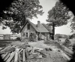 Urban Cabin: 1910