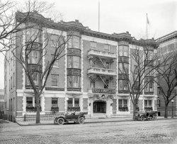 Hotel Winston: 1913