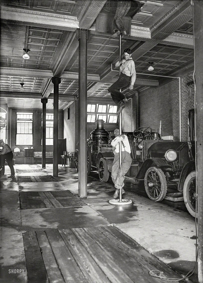 Down the Pole: 1922