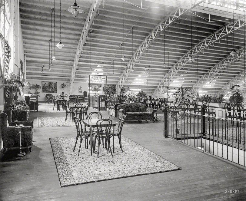 Public Space: 1925
