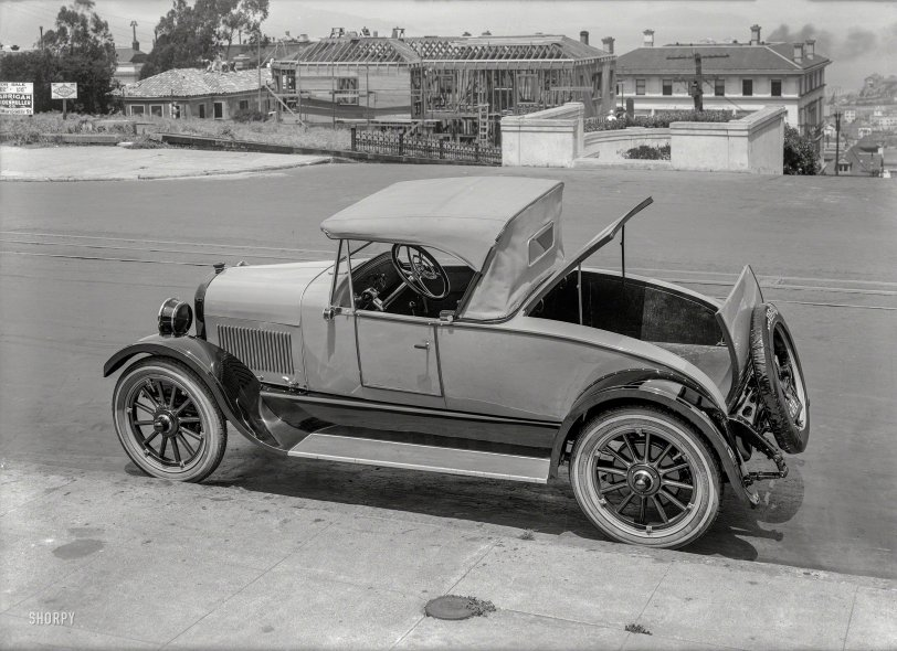 Clamshell Coupe: 1924